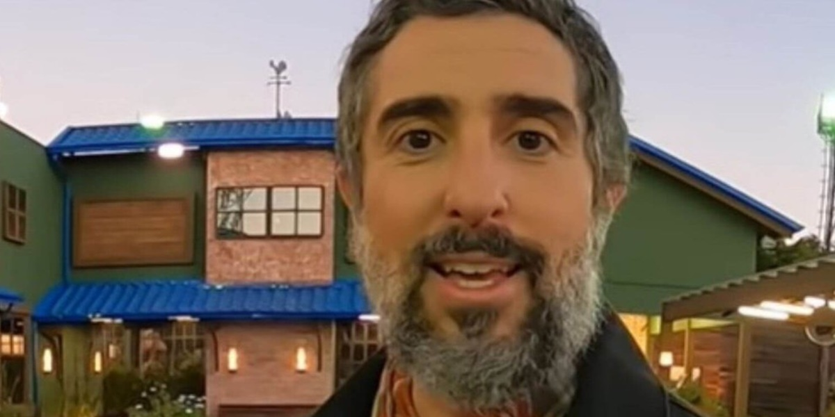 Marcos Mion apresenta A Fazenda 12 na Record TV (Foto: Reprodução)