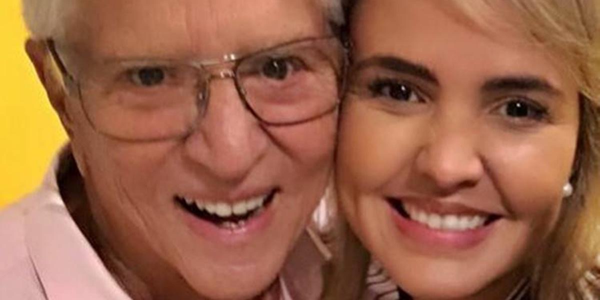 Renata Domingues é casada com Carlos Alberto (Foto: Reprodução)