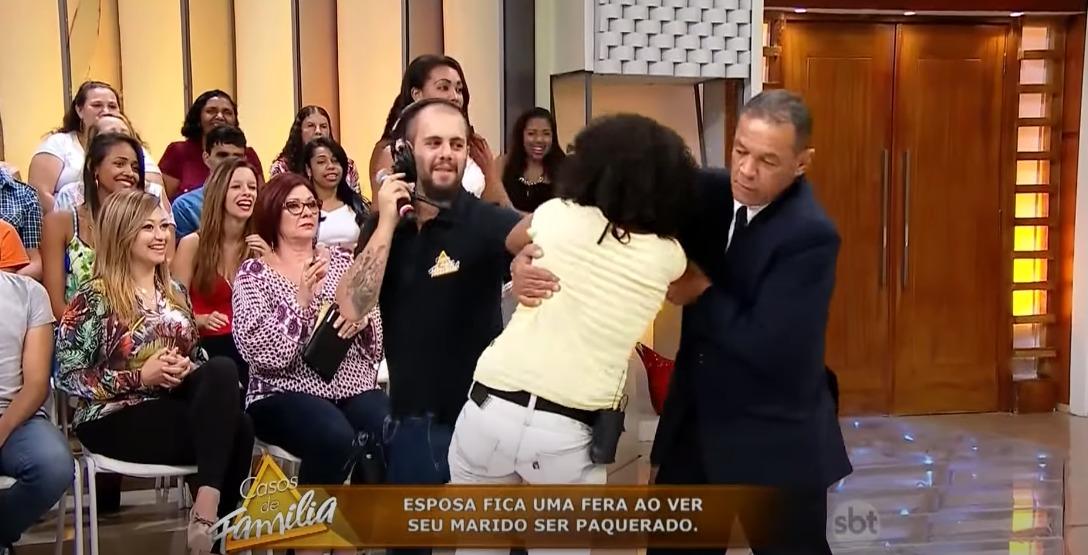 Mulher perde o controle no Casos de Família (Foto: Divulgação)