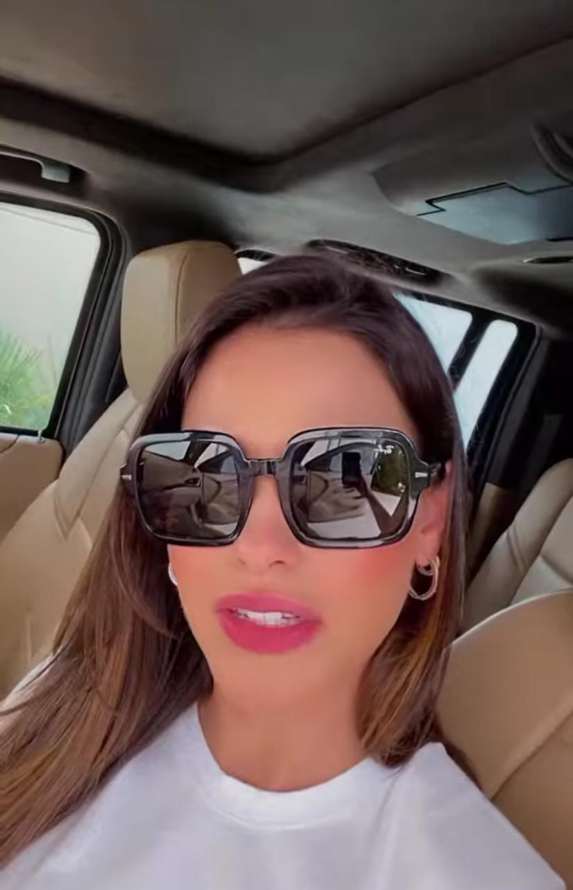 Andressa Suita dentro do carro (Reprodução: Instagram)