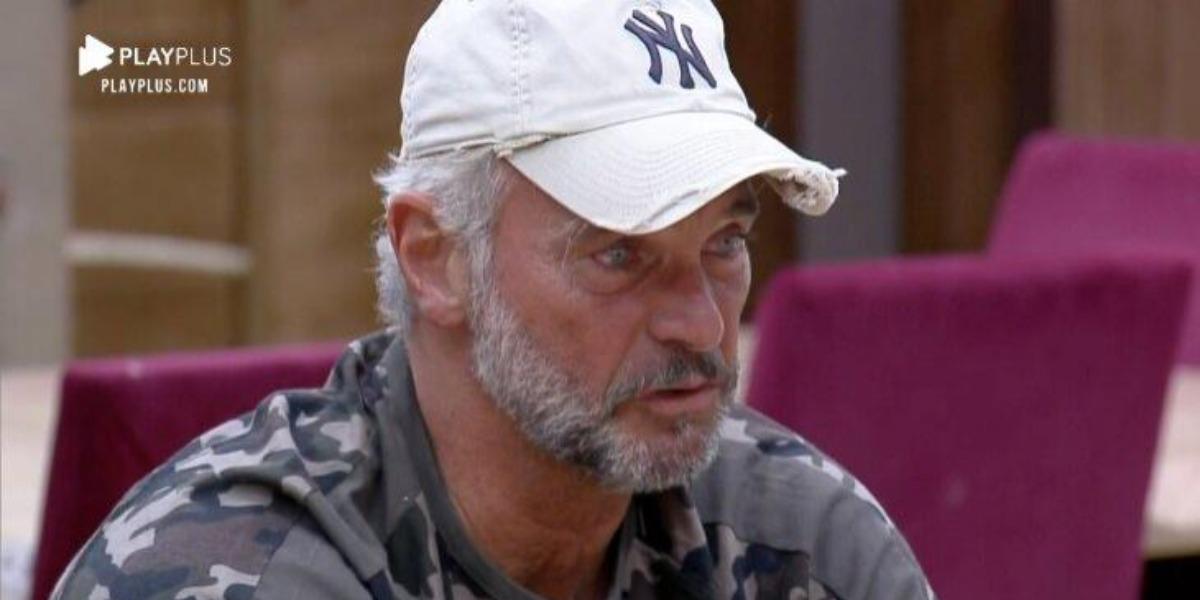 Mateus Carrieri chorando em A Fazenda 12 (Foto: Reprodução)