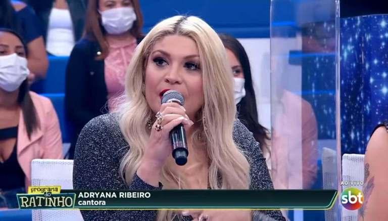 Adryanna Ribeiro participa como jurado do programa ao vivo do Ratinho (Reprodução)
