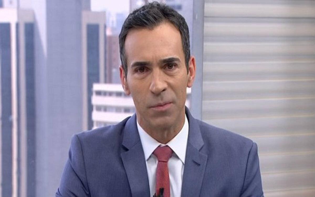 Cesar Tralli anunciou que o debate entre Guilherme Boulos (PSOL) e Bruno Covas (PSDB) está cancelado na Globo (Foto: Divulgação)
