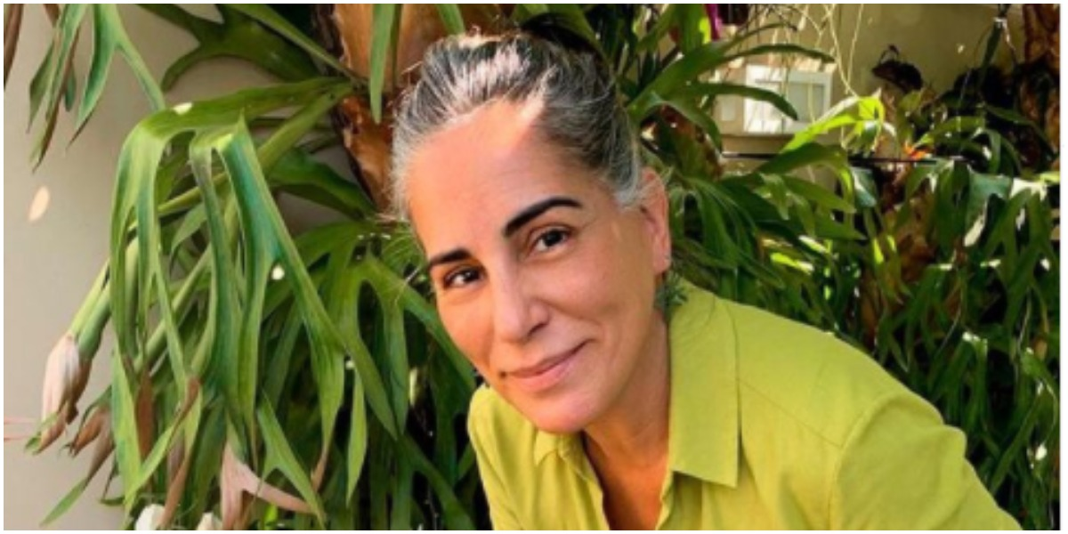 Glória Pires falou que sofreu para assumir os cabelos brancos (Foto: Reprodução)