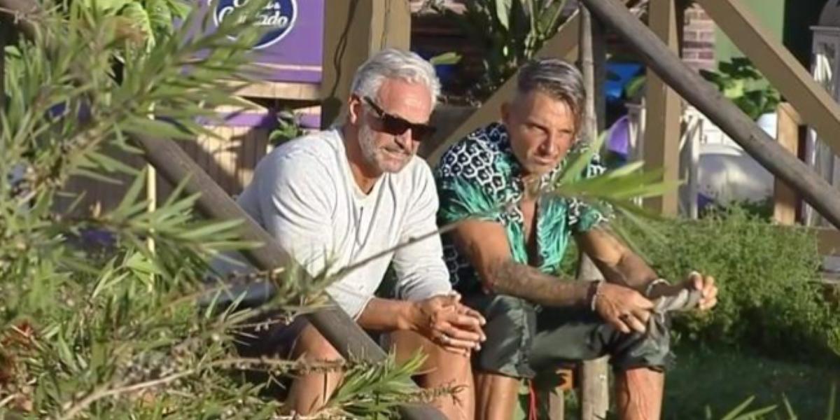 Juliano em conversa com Mateus em A Fazenda 12 (Foto: Reprodução)