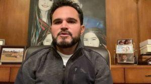 O cantor sertanejo Luciano Camargo tem uma péssima relação com Weliton, seu filho com Cleo Loyola (Foto: Divulgação)