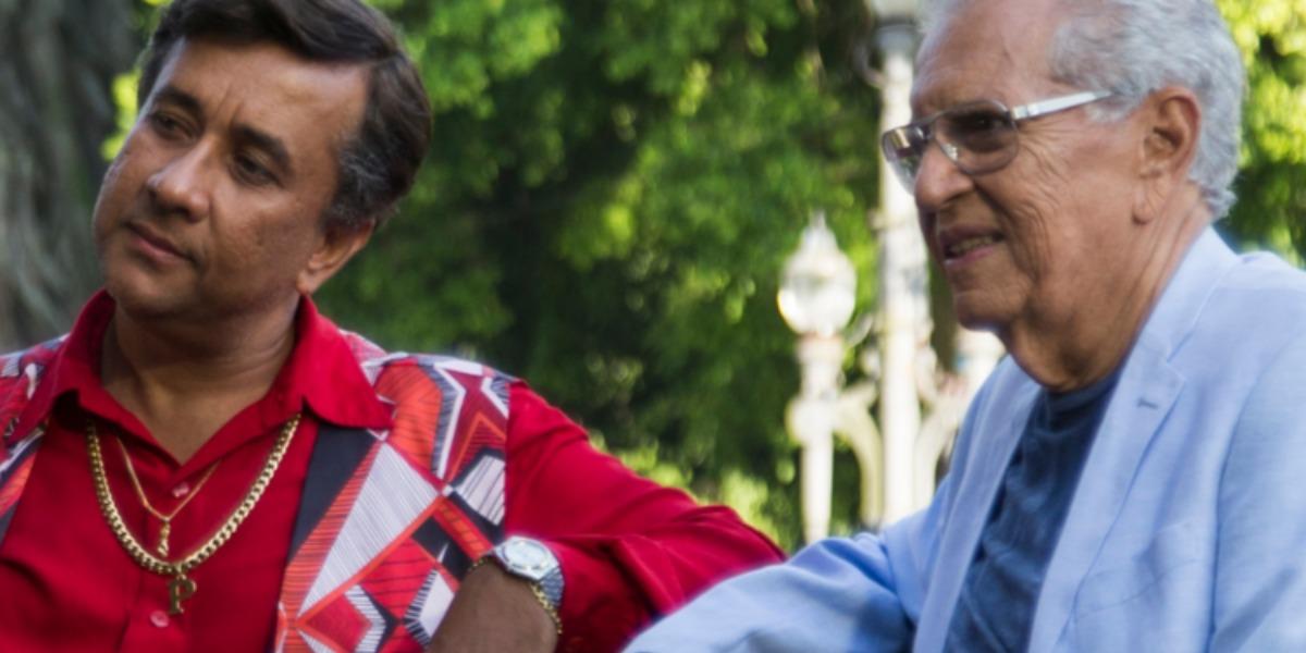 """Paulinho Gogó (Maurício Manfrini) e Carlos Alberto de Nóbrega no filme """"No Gogó do Paulinho"""" (Foto: Divulgação/Desirée do Valle)"""