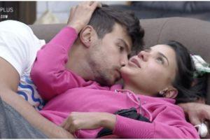 Jakelyne Oliveira e Mariano em A Fazenda 12 (Foto: Reprodução)