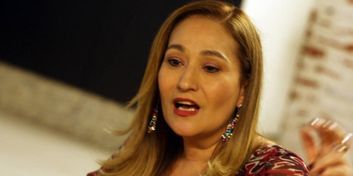 """Sonia Abrão apresenta o """"A Tarde é Sua"""" (Foto: Divulgação/RedeTV!)"""