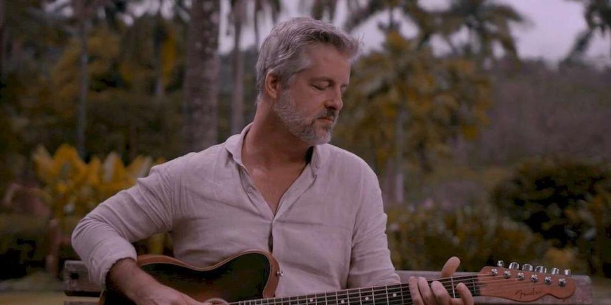 Victor Chaves lançou novas músicas (Foto: Divulgação)