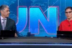 """William Bonner e Renata Vasconcellos no """"Jornal Nacional"""" de ontem (Foto: Reprodução/TV Globo)"""