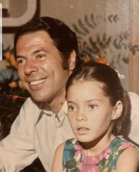 Cintia Abravanel ao lado do pai Silvio Santos (Reprodução: Instagram)