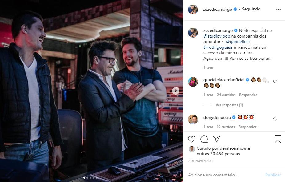 Zezé Di Camargo, irmão de Luciano, ao lado de alguns produtores musicais (Foto: Reprodução/ Instagram)