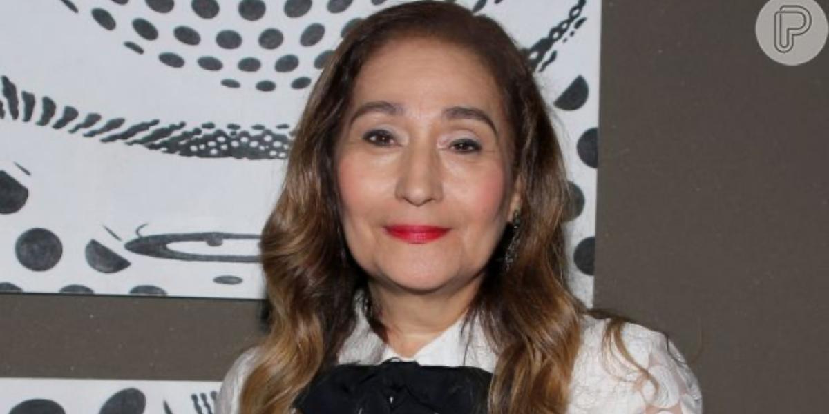 """Sonia Abrão apresenta """"A Tarde é Sua"""", da RedeTV! (Reprodução)"""