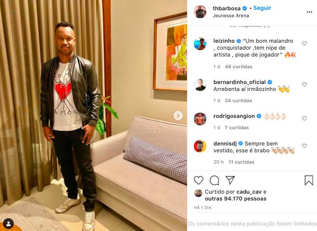 Thiaguinho impressiona seguidores com clique nos bastidores de show (Reprodução)