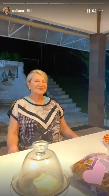 Poliana Rocha se despede da mãe durante noite (Reprodução)