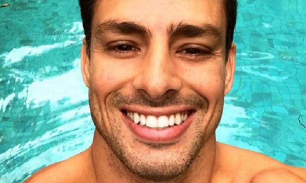 Cauã Reymond tem irmão considerado por muitos como o homem mais bonito do Brasil (Foto: Reprodução)