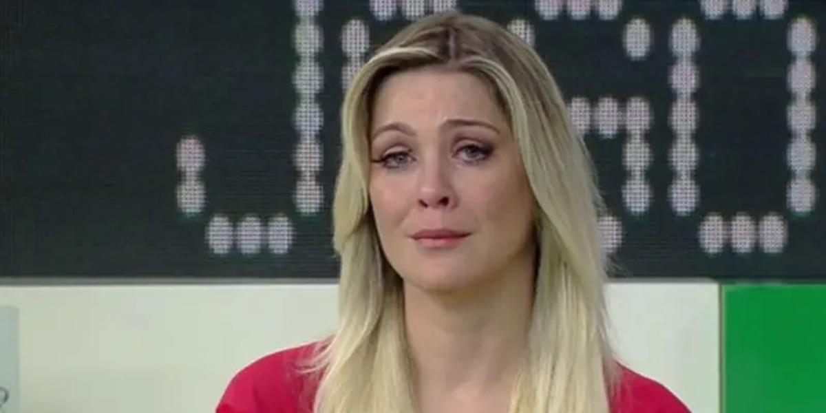 Renata Fan ficou triste com despedida de jogador do Internacional (Foto: Reprodução)