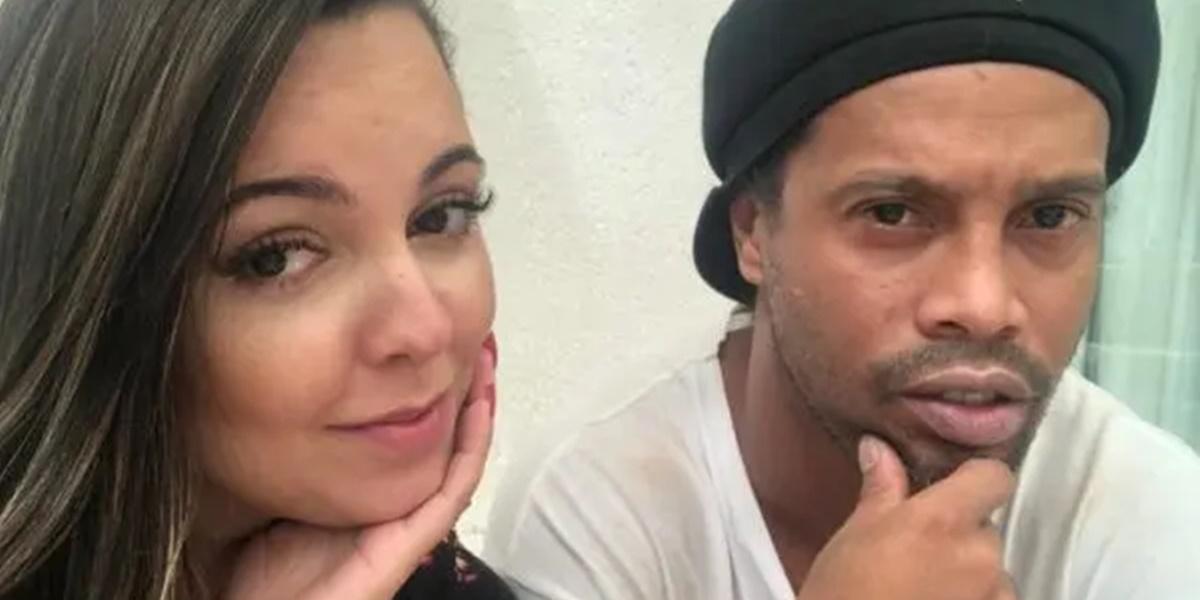 Priscilla Alves a lado de Ronaldinho (Foto: Reprodução)