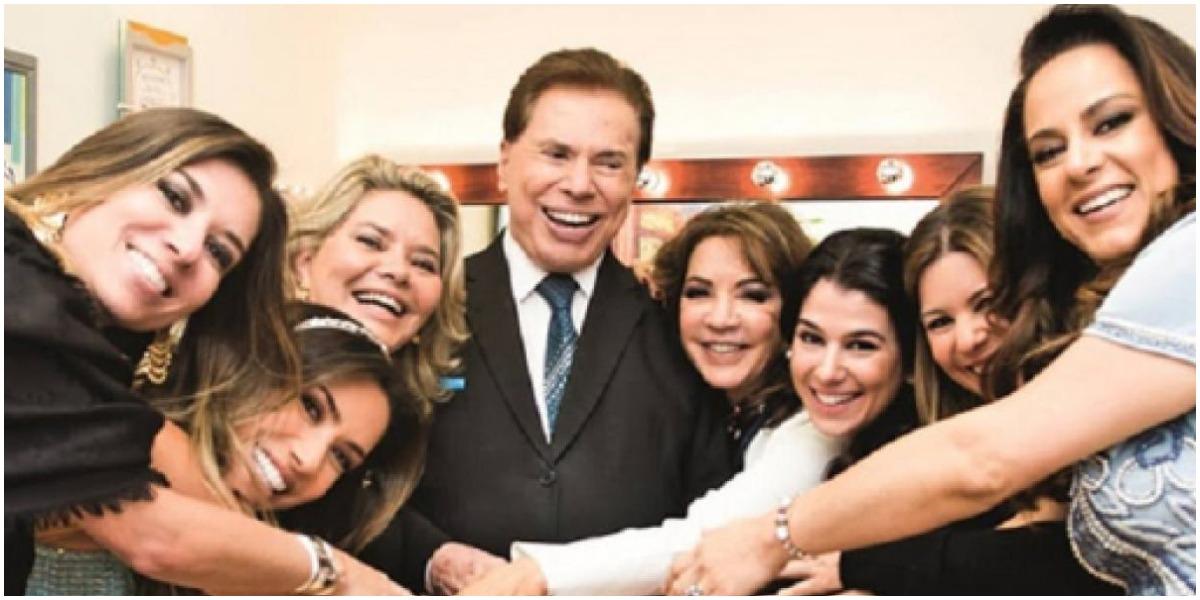 O apresentador Silvio Santos ao lado da família - Foto: Reprodução