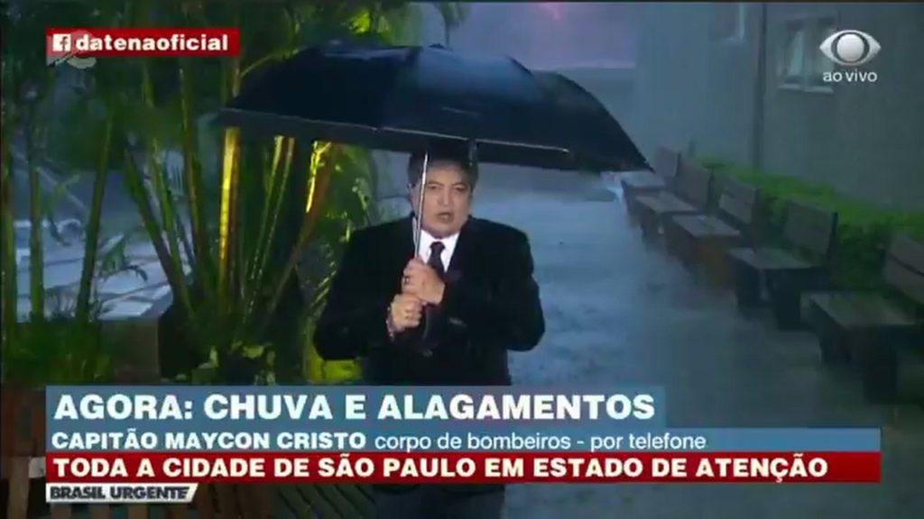 Datena roubou a cena ao vivo no Brasil Urgente após queda de energia (Foto: Divulgação)