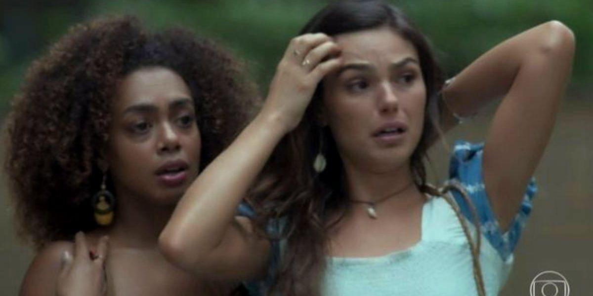Ritinha, mulher branca, e Marilda, mulher preta, em cena da novela A Força do Querer com expressões de desespero