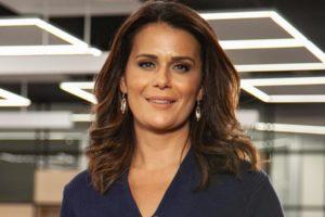"""Adriana Araújo é apresentadora do """"Repórter Record Investigação"""" (Foto: Divulgação)"""