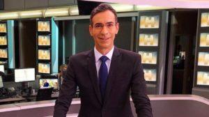 """César Tralli no comando do """"Jornal Hoje"""", da TV Globo (Foto: Reprodução/Instagram)"""