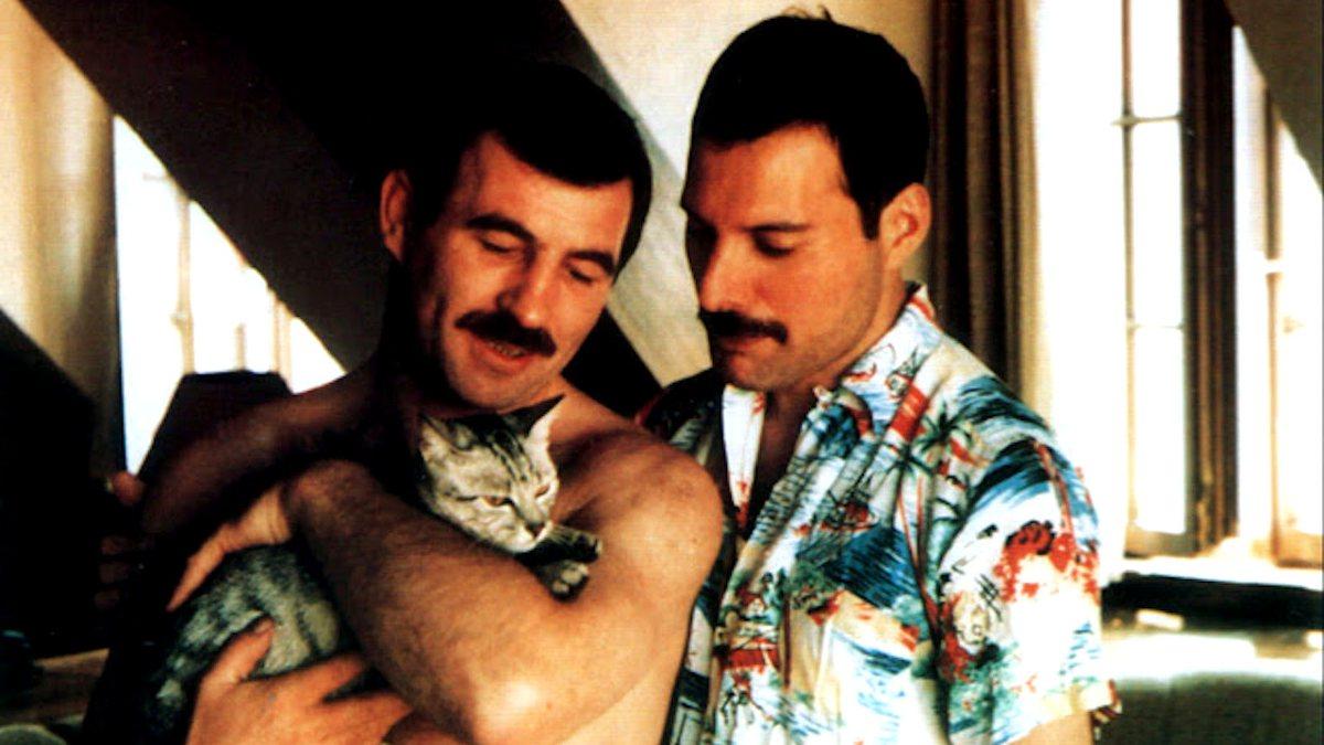 Freddie Mercury e Jim Hutton (Foto: Reprodução)