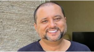 Geraldo Luís expõe declaração para atriz (Foto: Reprodução)