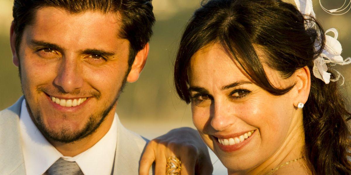 Juliano e Natália de noivos em Flor do Caribe