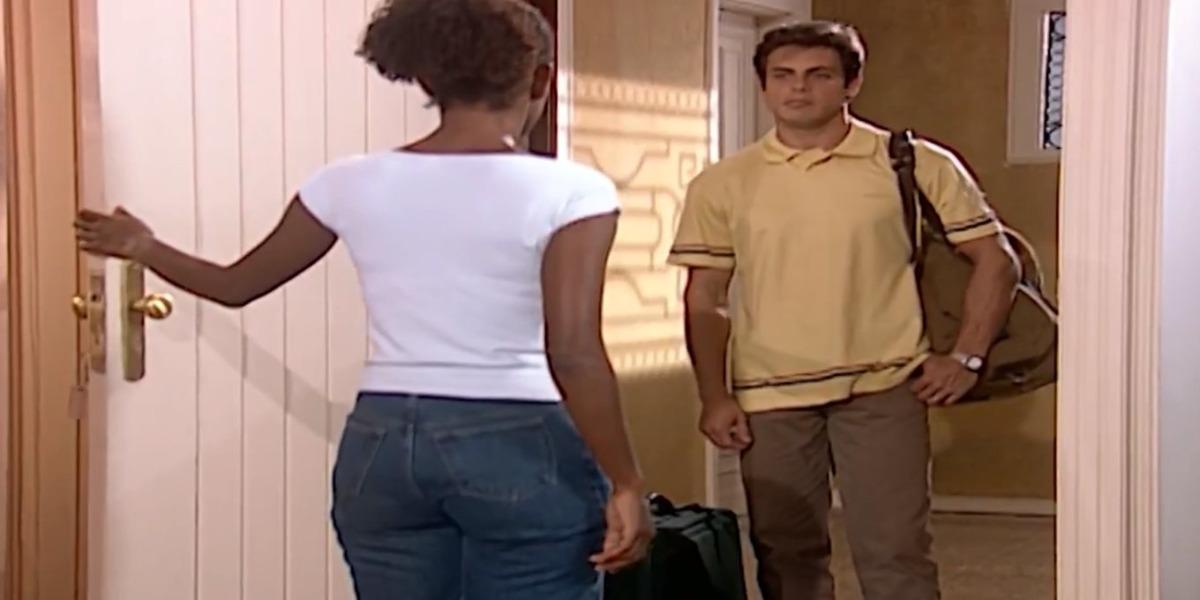 Fred abandona Clara e vai se abrigar na casa da mãe em Laços de Família (Foto: Reprodução)