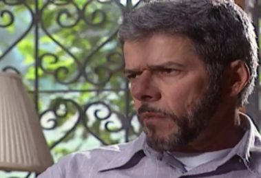 Pedro ficará furioso com Íris em Laços de Família (foto: Reprodução)