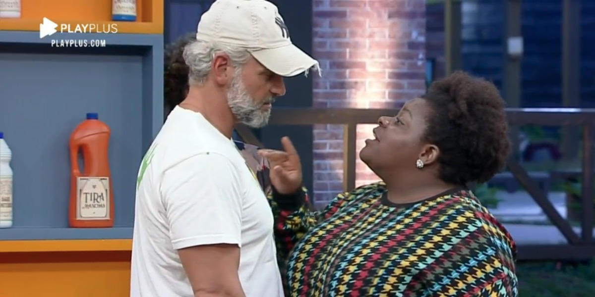 Mateus e Jojo conversando após dinâmica (Foto: Reprodução)