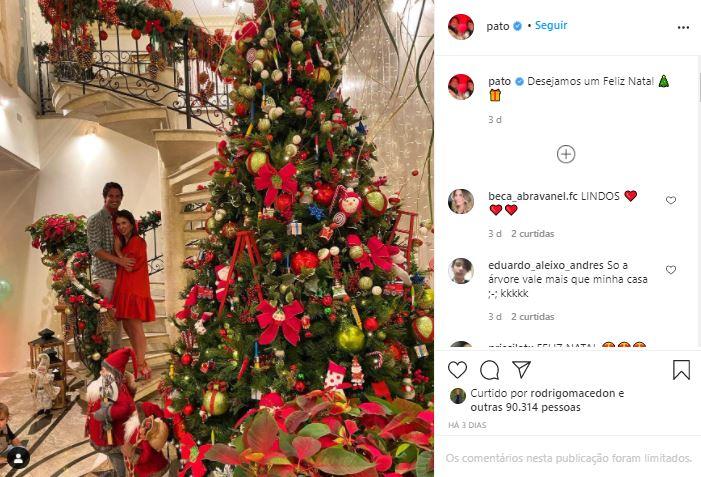 O Natal de Pato e Rebeca Abravanel (Foto: Reprodução/Instagram)