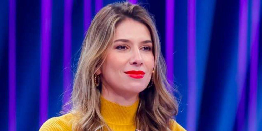 """Rebeca Abravanel no """"Roda a Roda Jequiti"""", uma das maiores audiências do canal  (Foto: Divulgação/SBT)"""