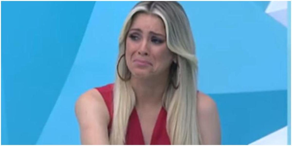 Renata Fan Ve Denilson Fora Da Band E Revela Doenca Ao Vivo Nao Da