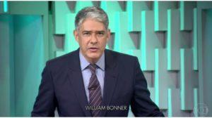 William Bonner anuncia despedida do Jornal Nacional junto de Renata (Foto: Reprodução)