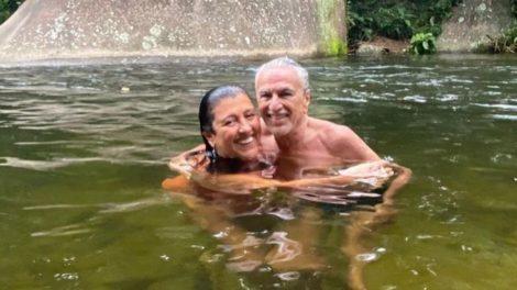 Caetano Veloso e Regina Casé furam isolamento e fazem viagem juntos - Foto: Reprodução/Instagram