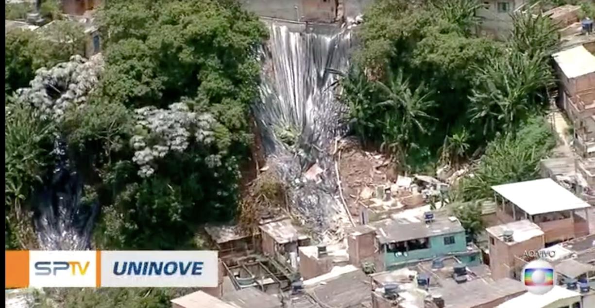 Chuvas causam desastre em Embu das Artes (Reprodução)