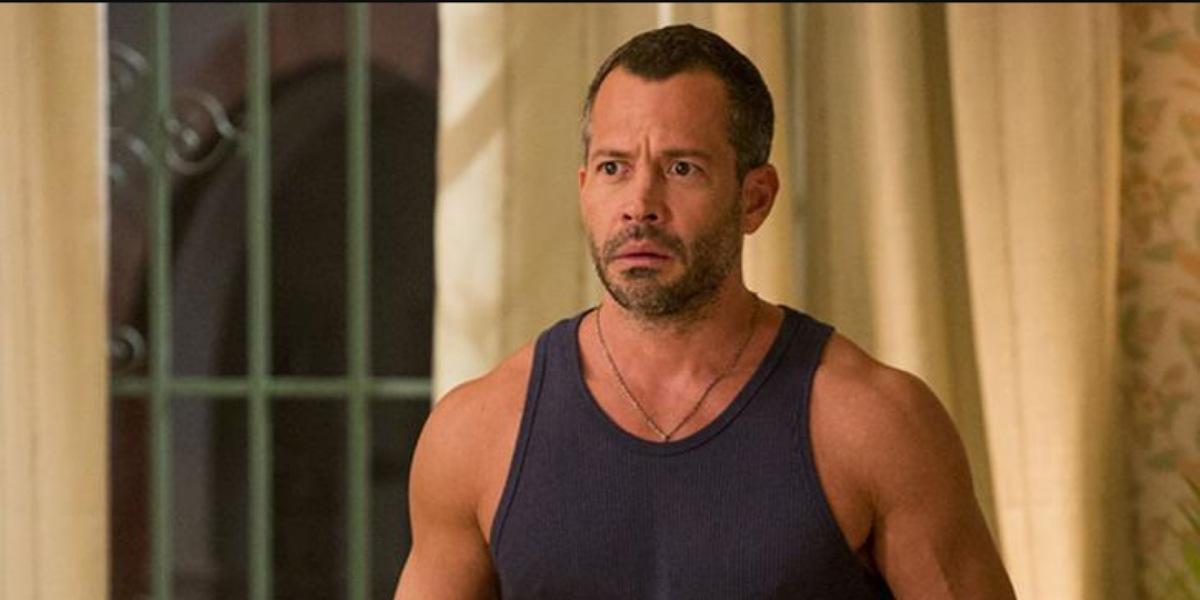 Apolo fica indignado com viagem da ex-noiva com Beto e decide lutar para provar inocência. - Foto: Reprodução