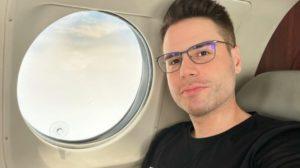 Luiz Bacci levou bronca de internauta por conta de suas postagens em rede social (Foto: Reprodução/ Instagram)