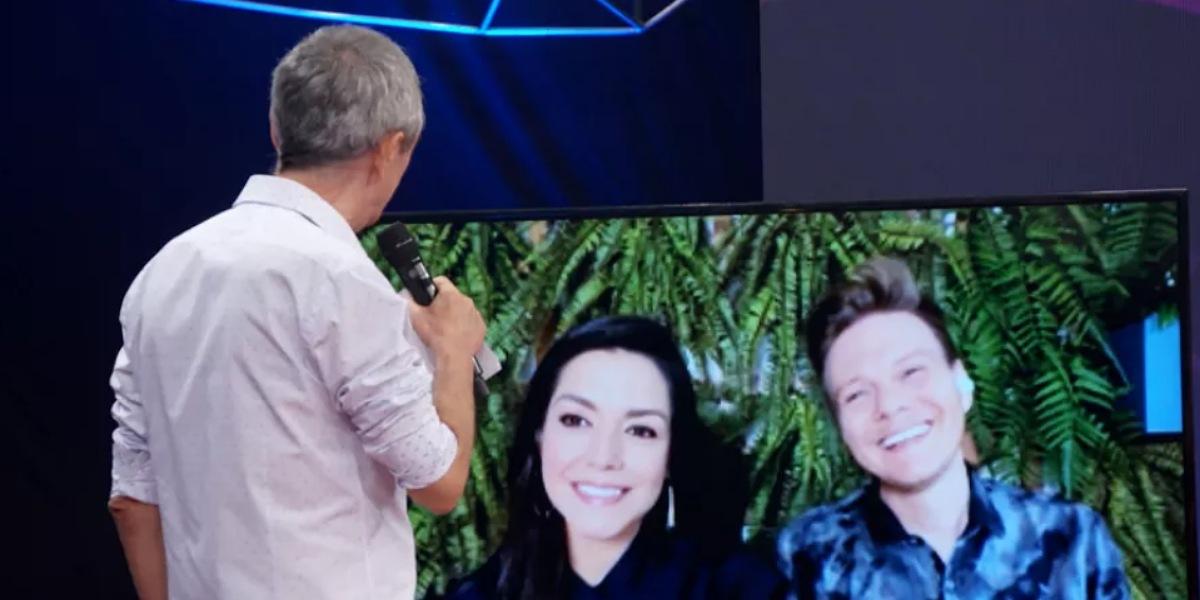 Michel Teló e Thais Fersoza no programa Altas Horas - Foto: Reprodução/Globo