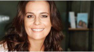 Adriana Araújo pode ser demitida da Record (Foto: Reprodução)