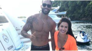 Gusttavo Lima e Andressa Suita foram flagrados juntos durante passeio de barco (Foto: Reprodução)
