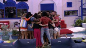 Fiuk chora e pede abraço coletivo — Foto: TV Globo