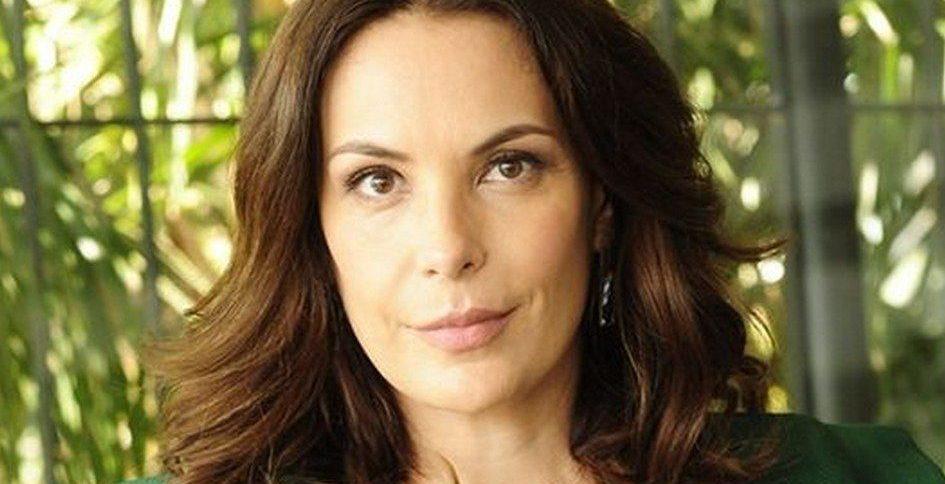 Carolina Ferraz fez anunciou sobre o Domingo Espetacular