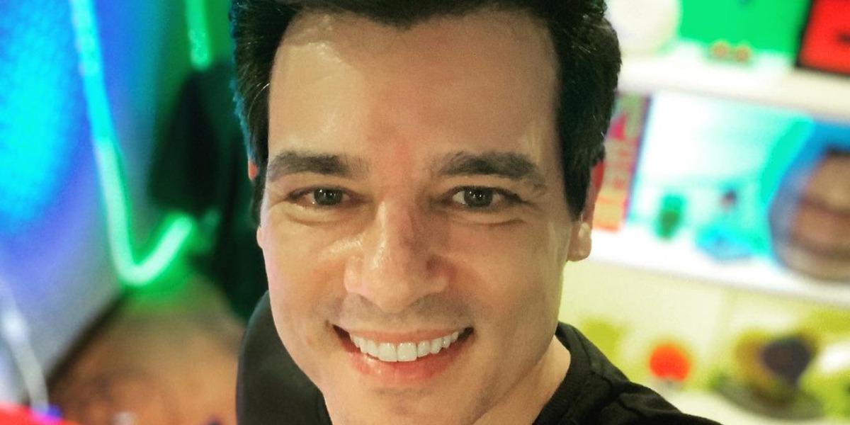 """Celso Portiolli apresenta o """"Domingo Legal"""" no SBT (Foto: Reprodução/Instagrma)"""