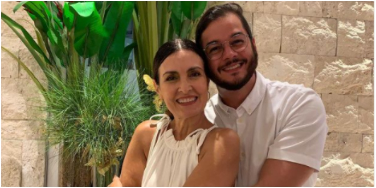 Fátima Bernardes posou com Túlio Gadêlha e desejou um feliz ano em 2021 (Foto: Reprodução)