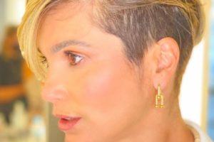 Flávia Alessandra apostou em novo corte de cabelo (Foto: Reprodução/Instagram)